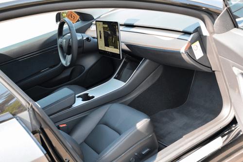 Tesla Modell 3 Innenraum