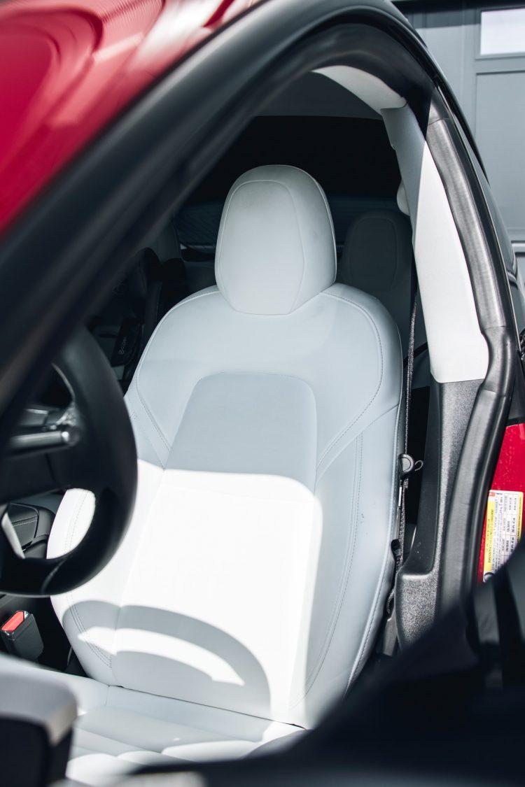 Tesla Model 3 weiße sitze reinigen