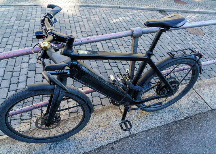 E-Bike mit Schloss